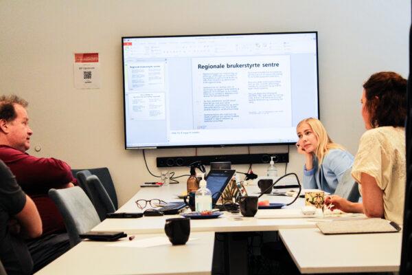Mari Holm Lønseth på besøk i KBT (bilde)